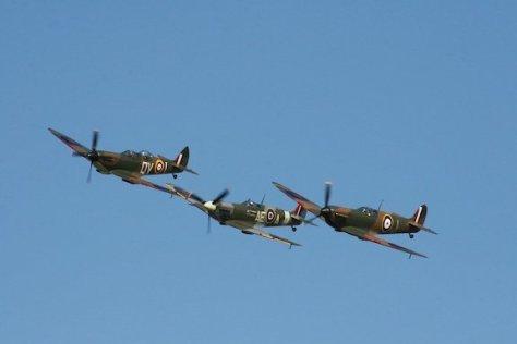 spitfire-555695_960_720