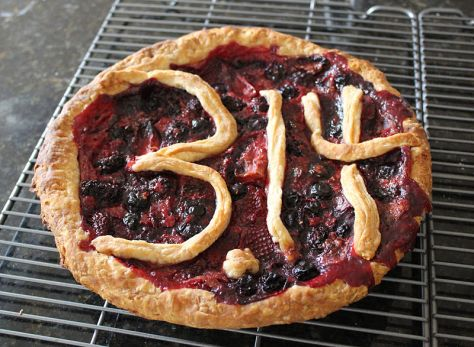 Pi_Day_pie_(13346244934)